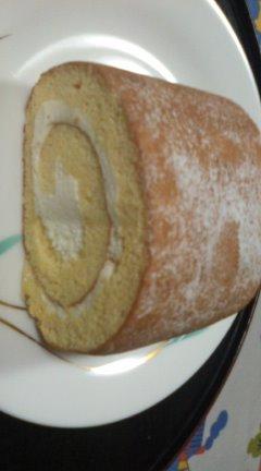 差し入れに大好きなロールケーキ☆